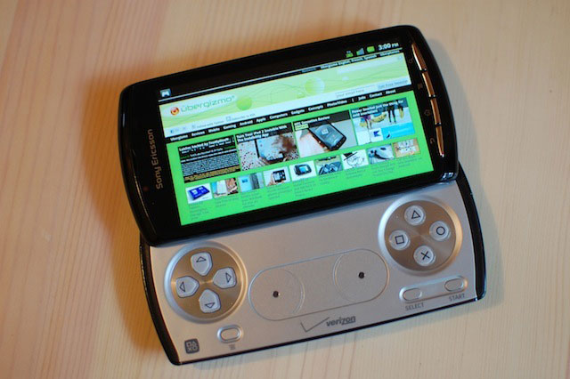 xperia-play-browsing