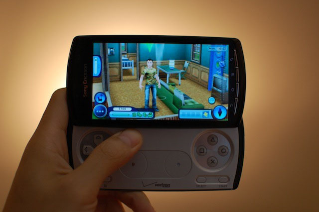 xperia-play-thesims3 copy