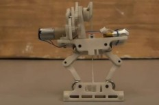 PhD student creates jumping robot that can pick itself up