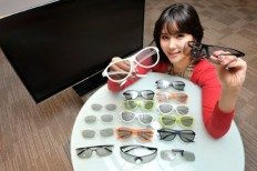 LG to release new stylish 3D TV glasses next year