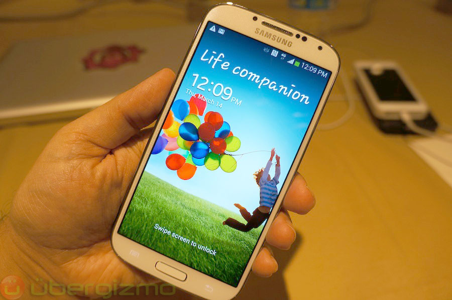 samsung-galaxy-s4-hands-on-review–01