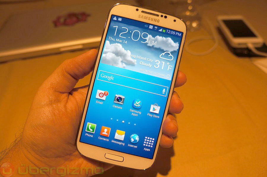 samsung-galaxy-s4-hands-on-review–02
