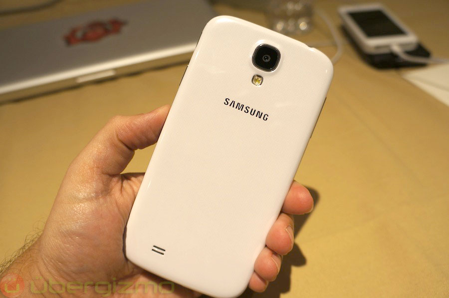 samsung-galaxy-s4-hands-on-review–03