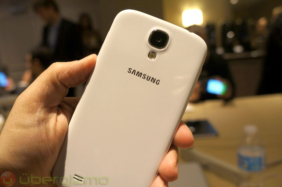 samsung-galaxy-s4-hands-on-review–05