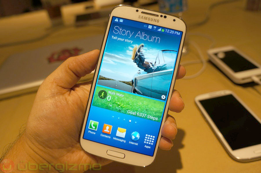 samsung-galaxy-s4-hands-on-review–22