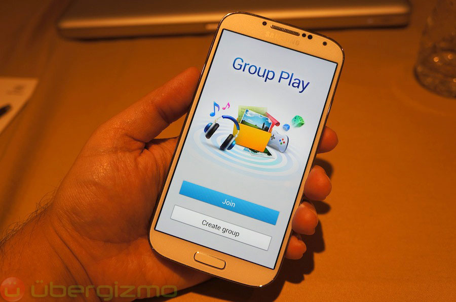 samsung-galaxy-s4-hands-on-review–31