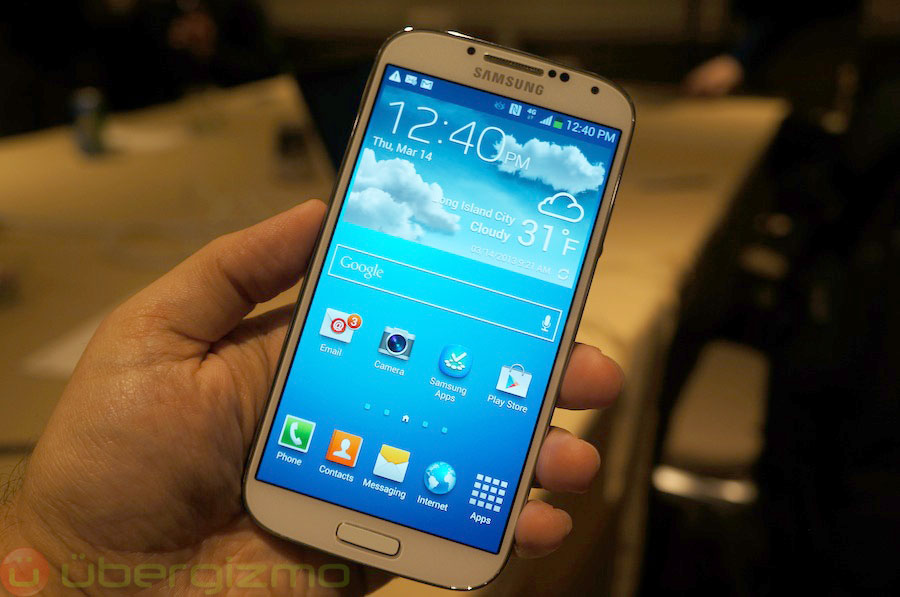 samsung-galaxy-s4-hands-on-review–38