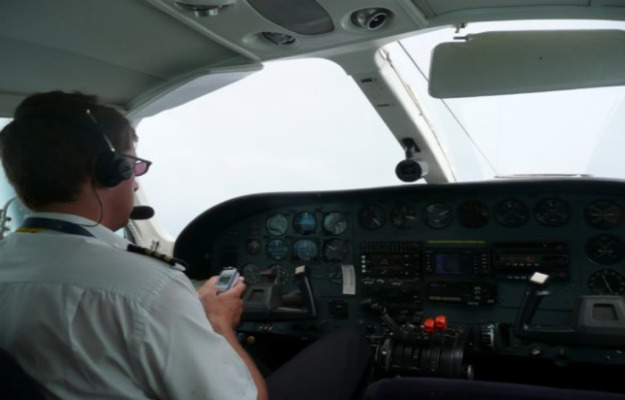 Texting While Driving >> First Texting While Flying Case Linked To Deadly ...
