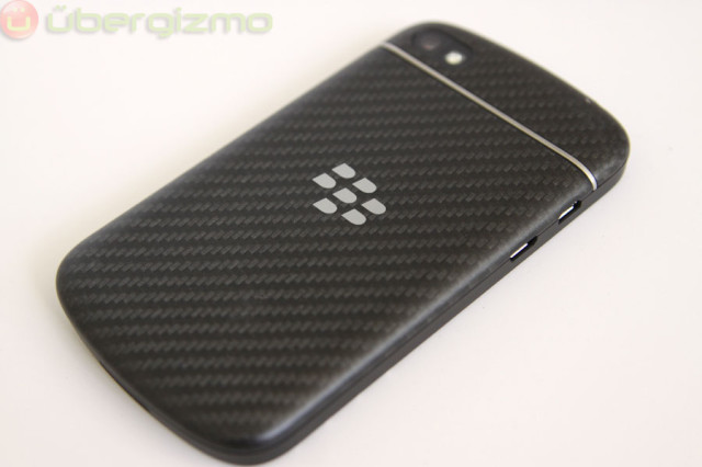 blackberry-q10-unboxing-12