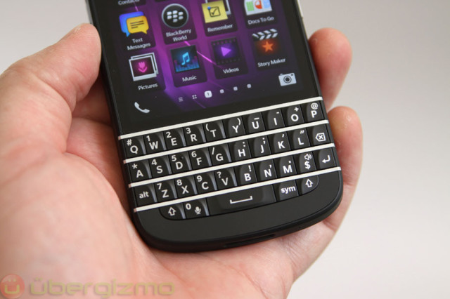 blackberry-q10-unboxing-19