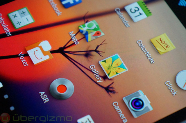 Above: a close-up of the Note 2 display. The Note 3 should bump the resolution to 1080p