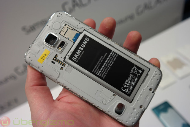 galaxy-s5-preview-mwc2014-27