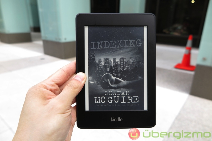 Amazon Kindle Paperwhite Review | Ubergizmo