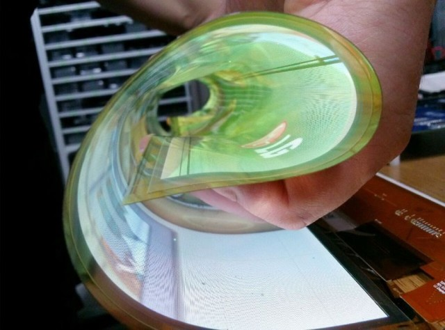 lg-rollable-18-inch-display-2