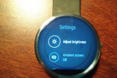 Image Persistence Issue In Moto 360 Display Being Reported
