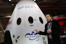 Musk Says SpaceX To Conduct Test Flights Of Mars Ship Next Year