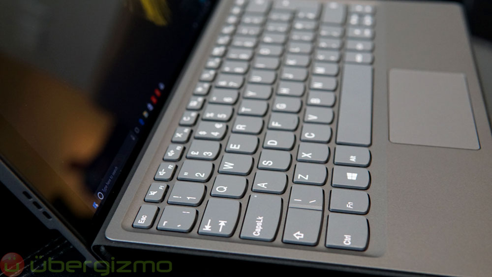 lenovo-miix-520_hands-on_03