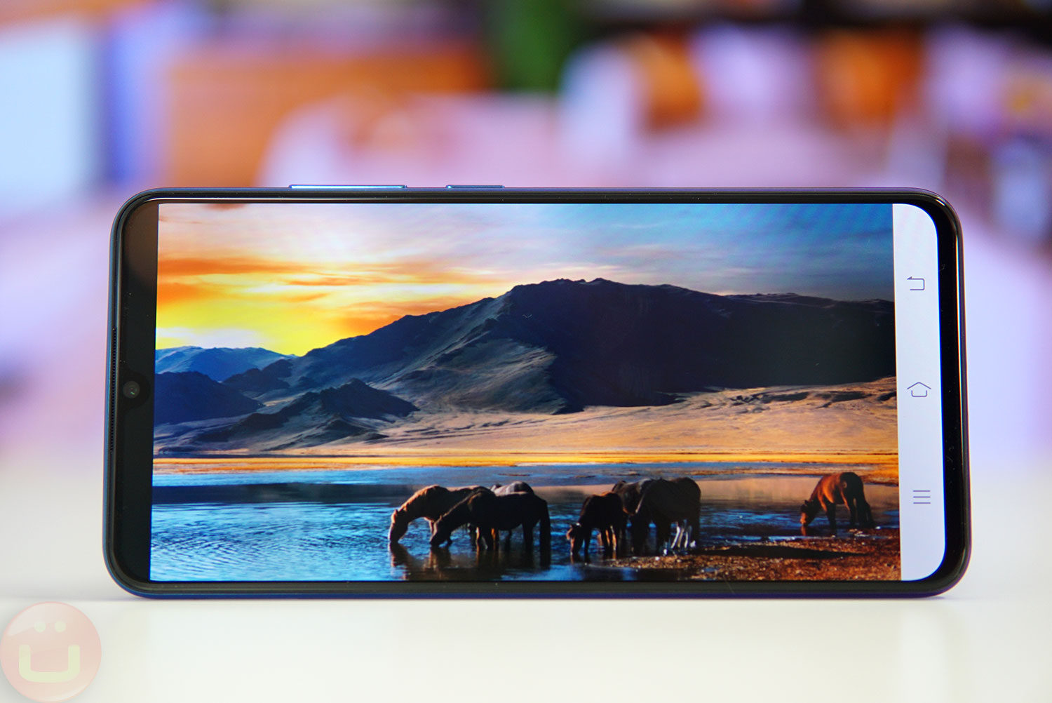 Vivo V11 Review: Fullscreen Android With In-Screen