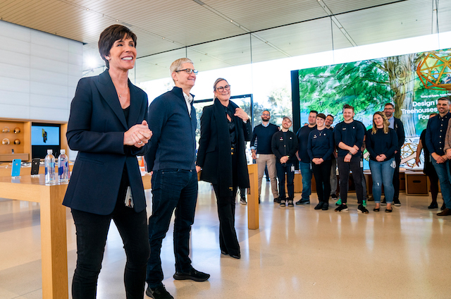 Apple's Retail Boss Leaving Company In April